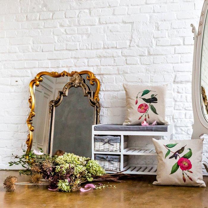 Настенное зеркало Паскаль в раме золотистого цвета