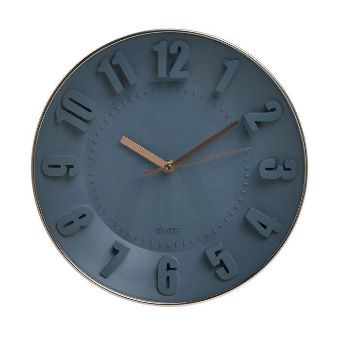 Часы настенные синего цвета