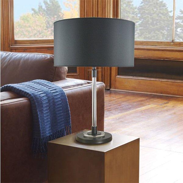 Настольная лампа с абажуром черного цвета