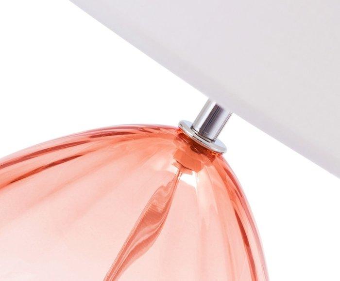 Настольная лампа розового цвета