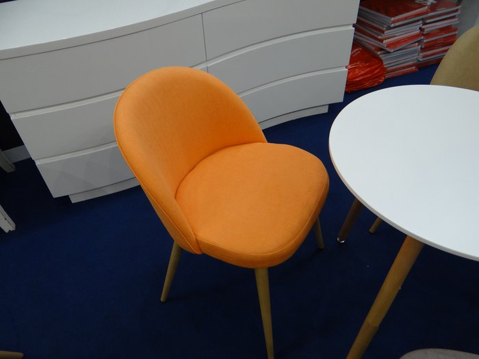 Оранжевый стул Томас с мягким сидением