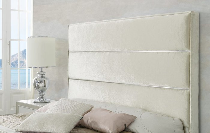 Двухспальная кровать Claudia цвета шампань 180х200