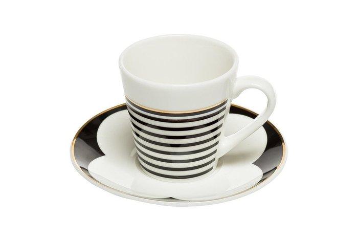 Кофейная чашка с блюдцем черно-белого цвета