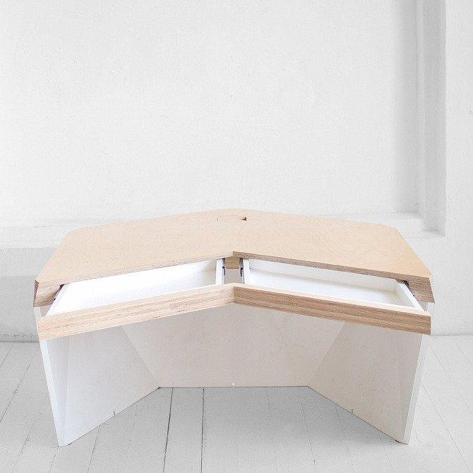 Рабочий стол Гексагон из микроцемента в светло-сером цвете