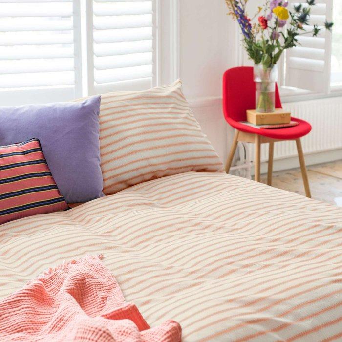 Комплект постельного белья Бретонская полоска 200х220 розового цвета