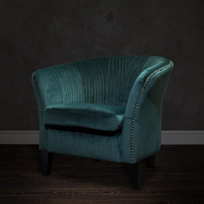 Кресло низкое изумрудного цвета