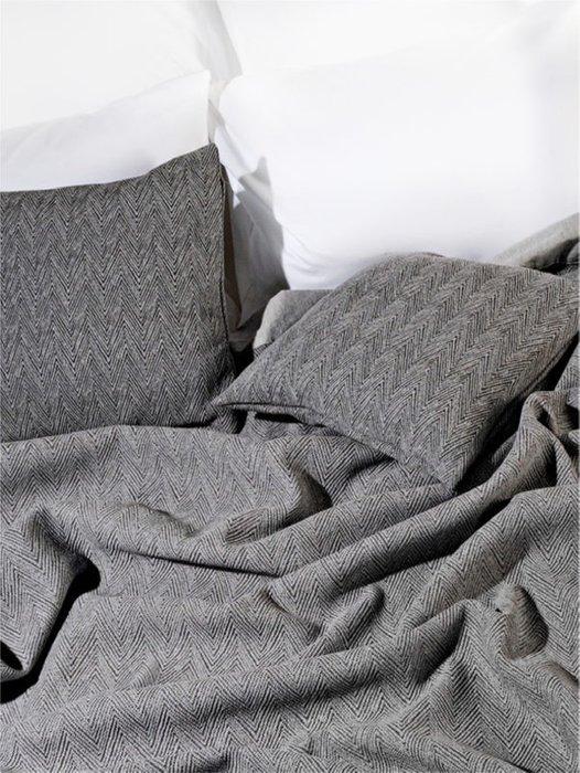 Набор из двух наволочек Piano grey серого цвета