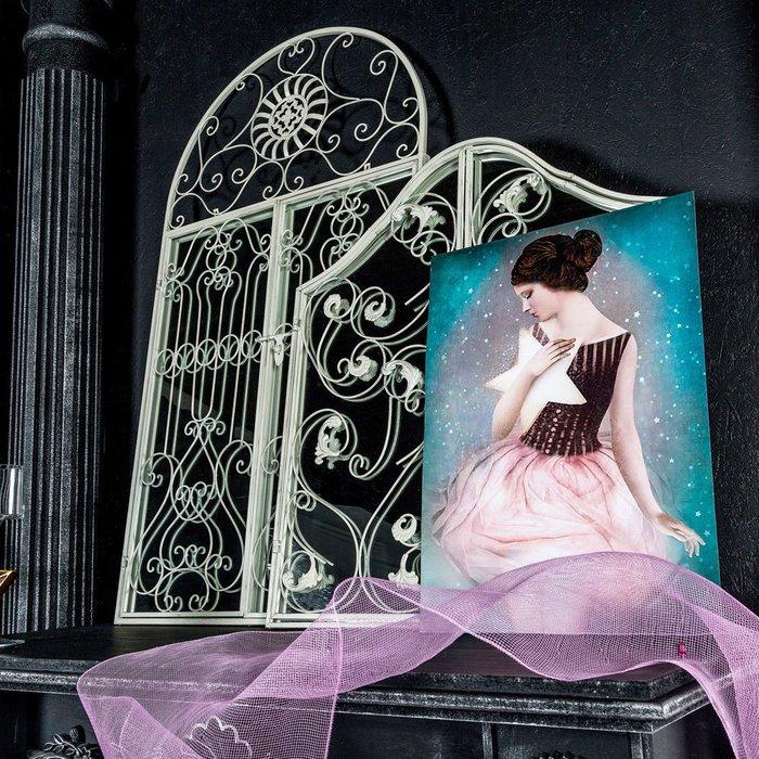 Настенное зеркало «Монтанер»
