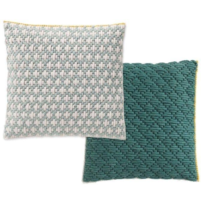 Подушка Celadon-green зеленого цвета