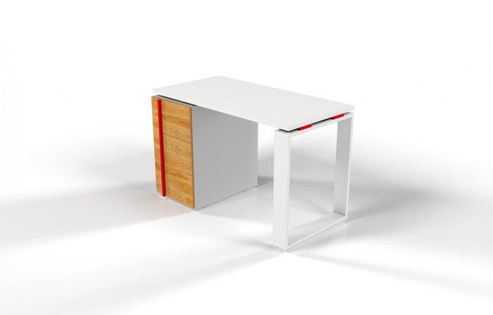Рабочий стол для персонала с фасадом цвета Дуб и красной проставкой
