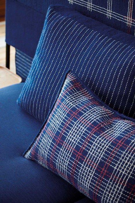 Подушка lan Indigo синего цвета
