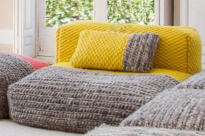Подушка Plait Yellow серо-желтого цвета