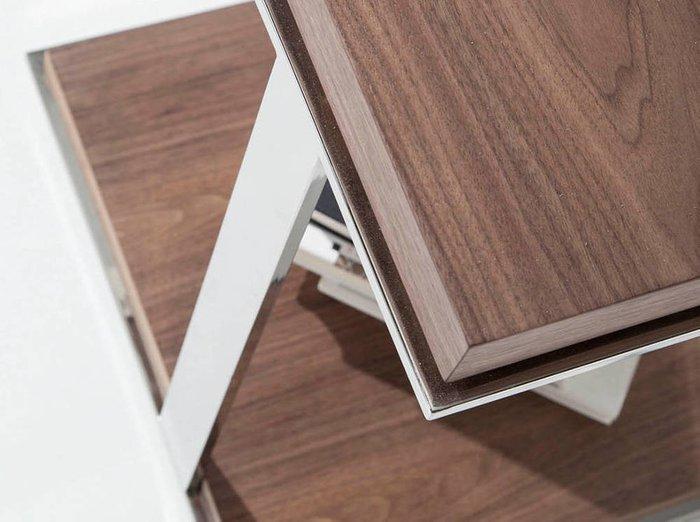 Кофейный столик со стальным основанием