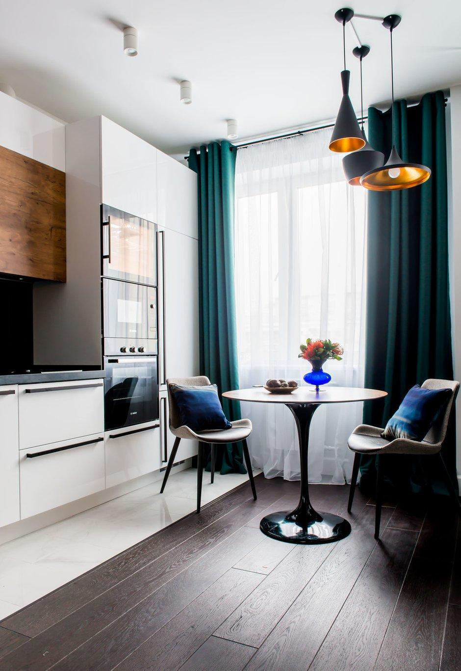 Фотография: Кухня и столовая в стиле Современный, Квартира, Проект недели, «Уютная квартира», Наталья Преображенская, Монолитный дом, 2 комнаты, 40-60 метров – фото на INMYROOM