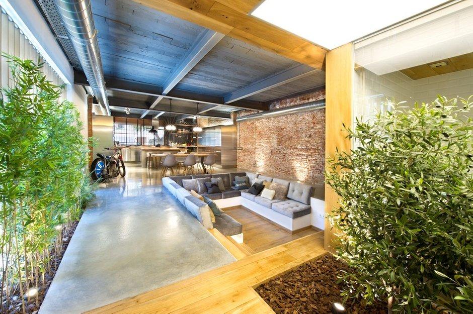 Фотография: Гостиная в стиле Лофт, Дом, Дома и квартиры – фото на INMYROOM