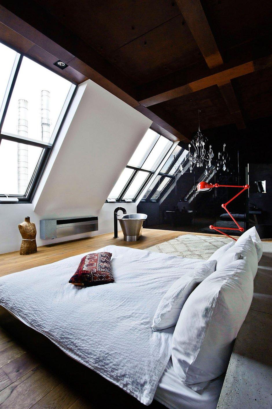 Фотография: Спальня в стиле Лофт, Декор интерьера, Квартира, Дома и квартиры, Проект недели, Илья Беленя – фото на INMYROOM