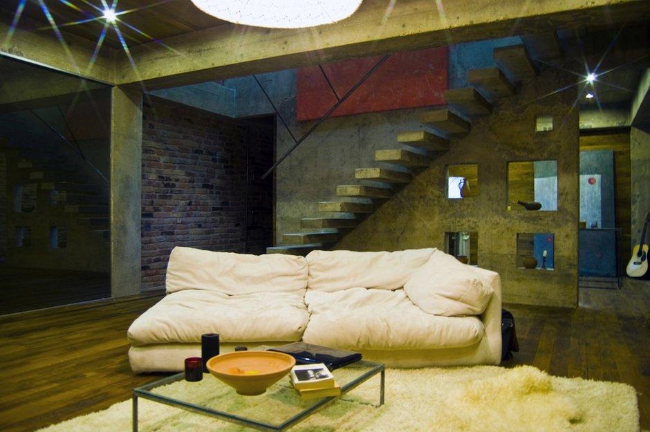 Фотография: Гостиная в стиле Лофт, Дом, Дома и квартиры, Минимализм, Проект недели – фото на INMYROOM
