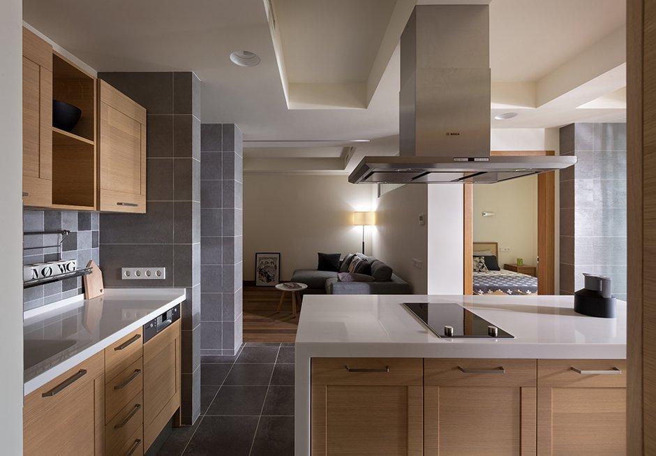 Фотография: Кухня и столовая в стиле Современный, Декор интерьера, Квартира, Normann Copenhagen, Vitra, Дома и квартиры, Проект недели, SLV – фото на INMYROOM