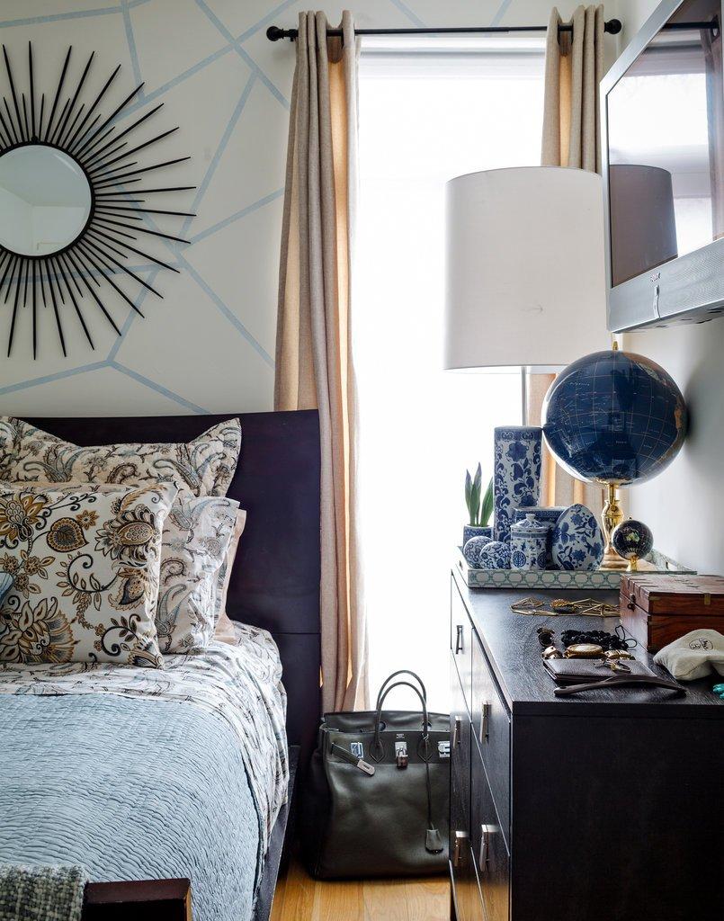 Фотография: Спальня в стиле Современный, Эклектика, Декор интерьера, Квартира, Дом, Цвет в интерьере, Дома и квартиры – фото на INMYROOM