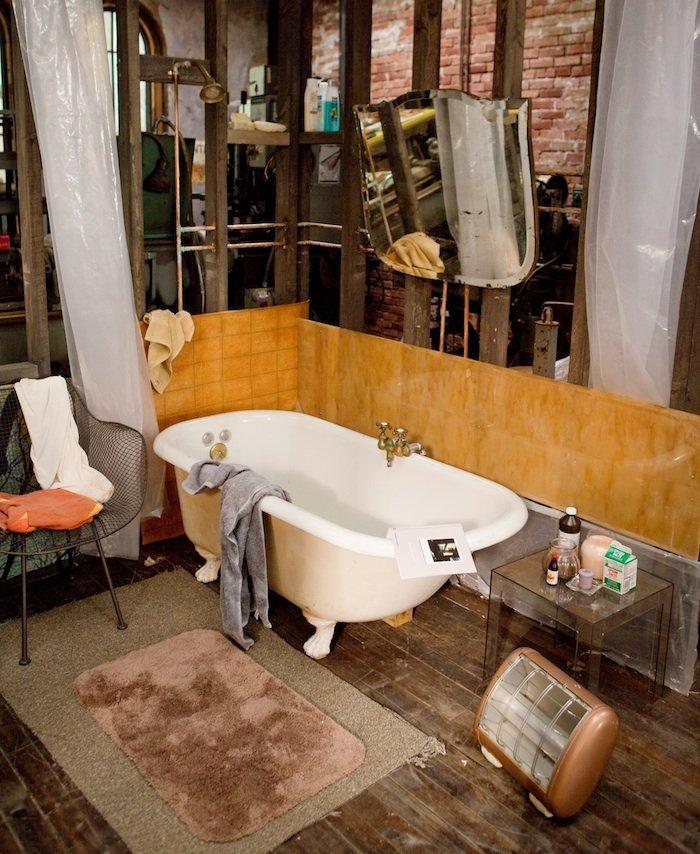 Фотография: Ванная в стиле Лофт, Современный, Эклектика, Декор интерьера, Советы, Минимализм, Гид – фото на INMYROOM