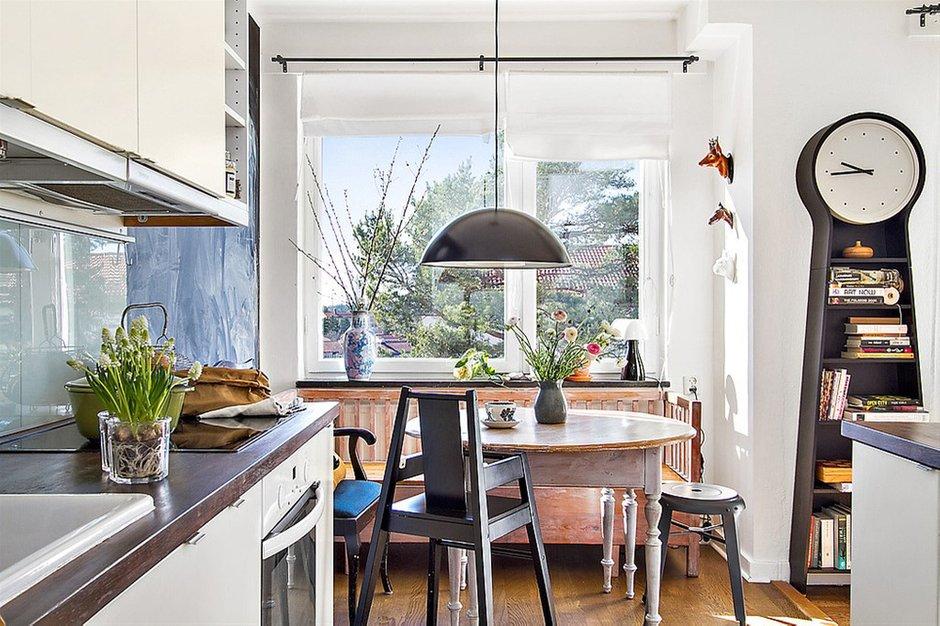 Фотография: Кухня и столовая в стиле Лофт, Скандинавский, Малогабаритная квартира, Квартира, Франция, Дома и квартиры – фото на INMYROOM