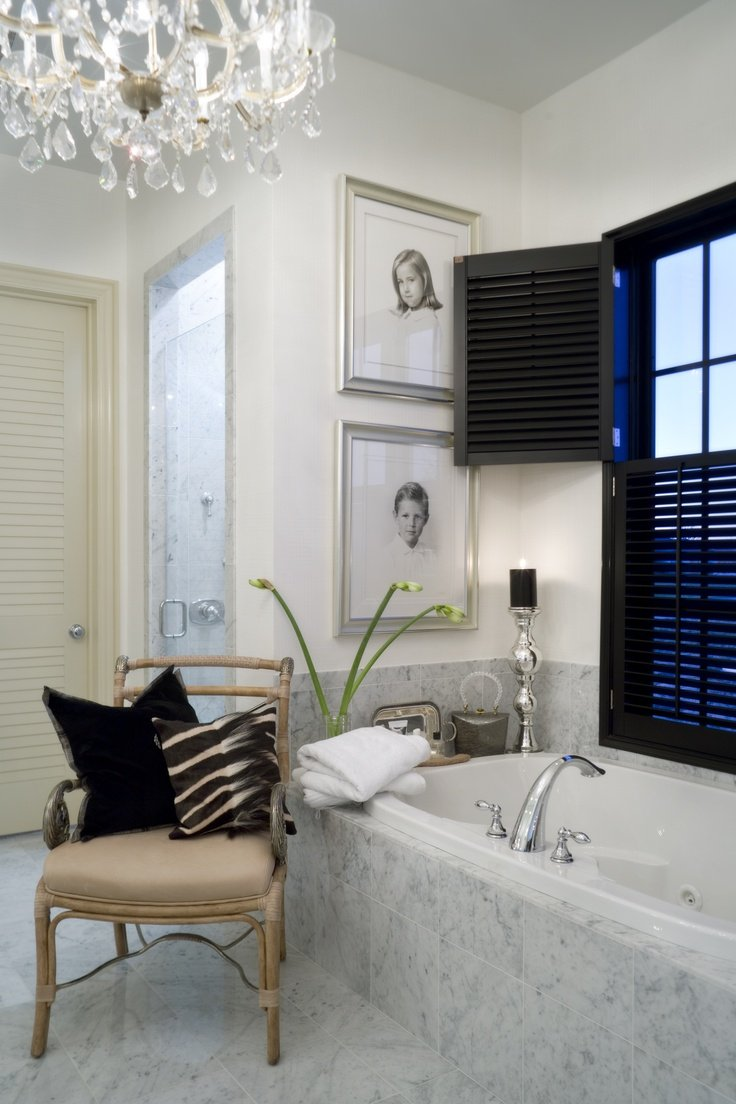 Фотография: Ванная в стиле Эклектика, Классический, Декор интерьера, Декор дома, Картины – фото на INMYROOM