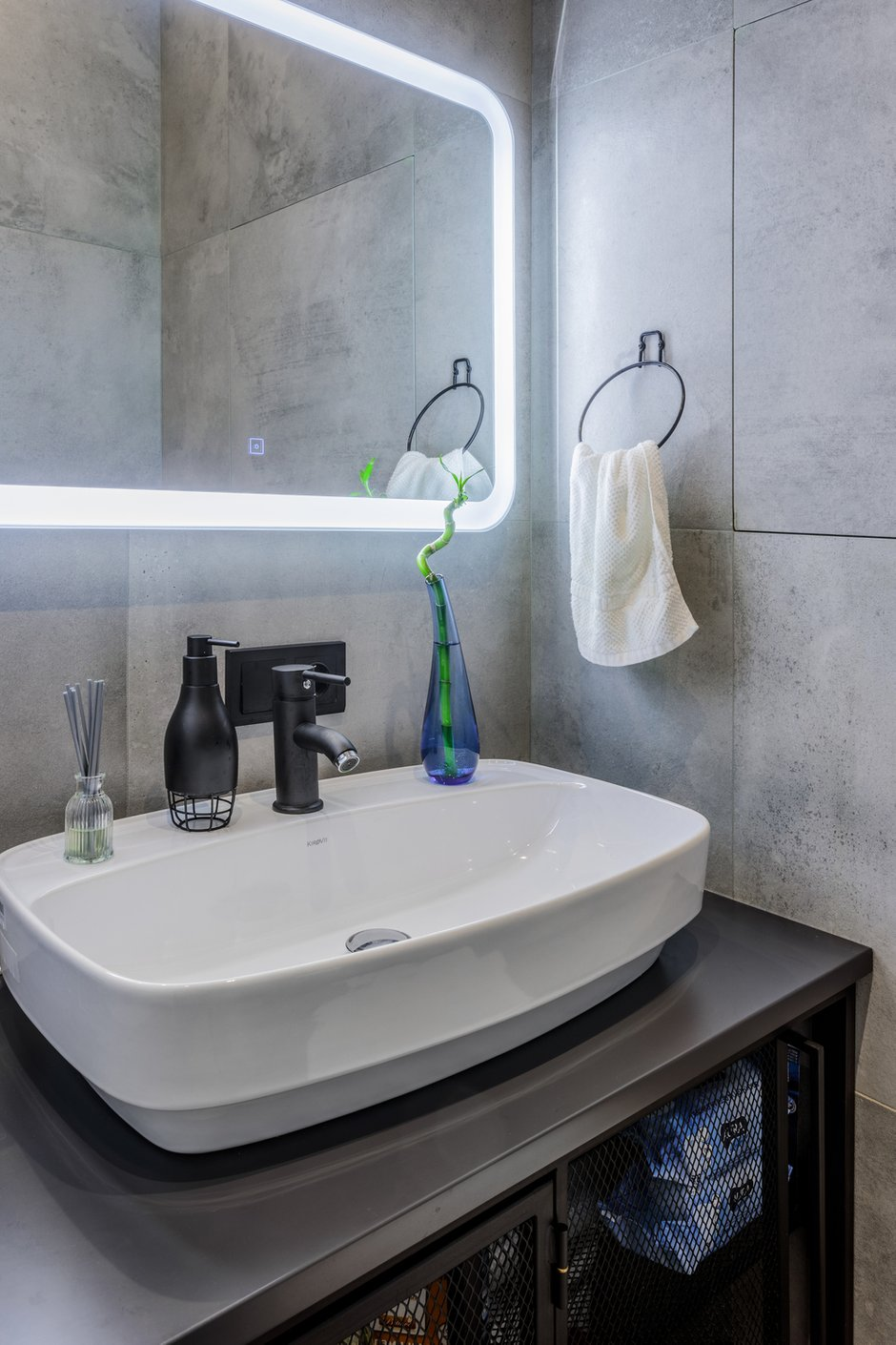Фотография: Ванная в стиле Современный, Квартира, Проект недели, Москва, 4 и больше, 60-90 метров, Спецпроект – фото на INMYROOM
