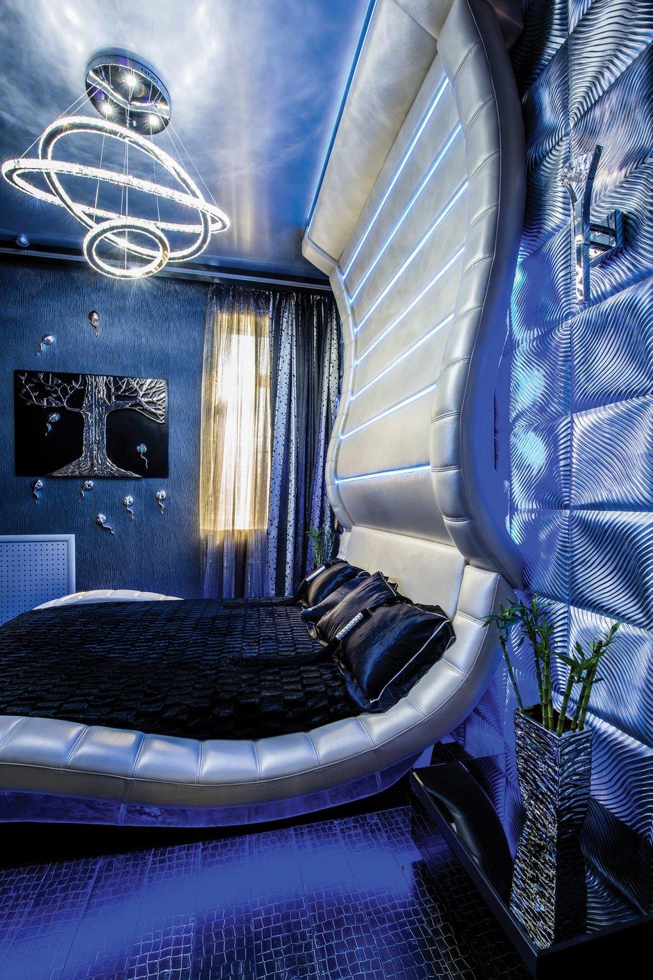 Фотография: Спальня в стиле Хай-тек, Квартира, Дома и квартиры, Интерьеры звезд, Проект недели, Москва – фото на INMYROOM