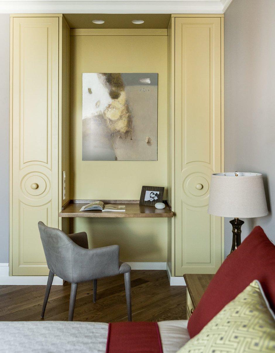 Фотография: Спальня в стиле Современный, Квартира, Проект недели, Москва, 4 и больше, Более 90 метров, Монолитно-кирпичный, Маша Файнберг – фото на INMYROOM