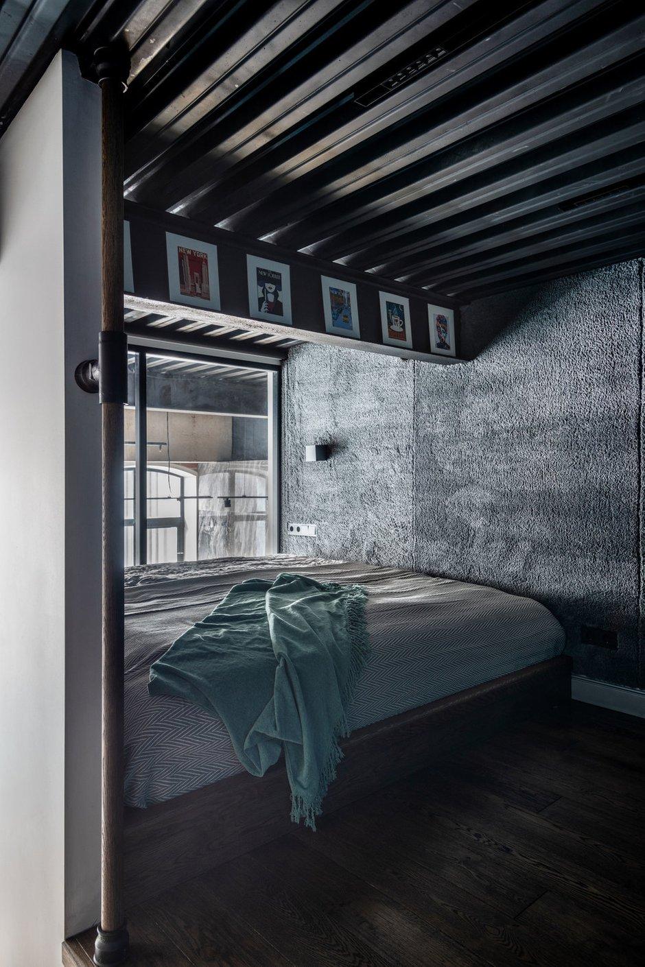 Фотография: Спальня в стиле Лофт, Квартира, Студия, Проект недели, Москва, Кирпичный дом, 40-60 метров, Юлия Сологубова – фото на INMYROOM