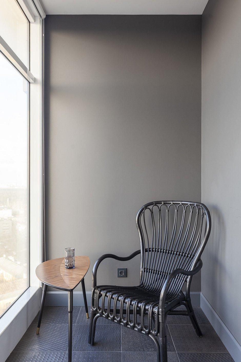 Фотография: Балкон в стиле Современный, Квартира, Белый, Проект недели, Черный, Москва, Бежевый, Коричневый, 2 комнаты, 60-90 метров, Юлия Жирнова – фото на INMYROOM