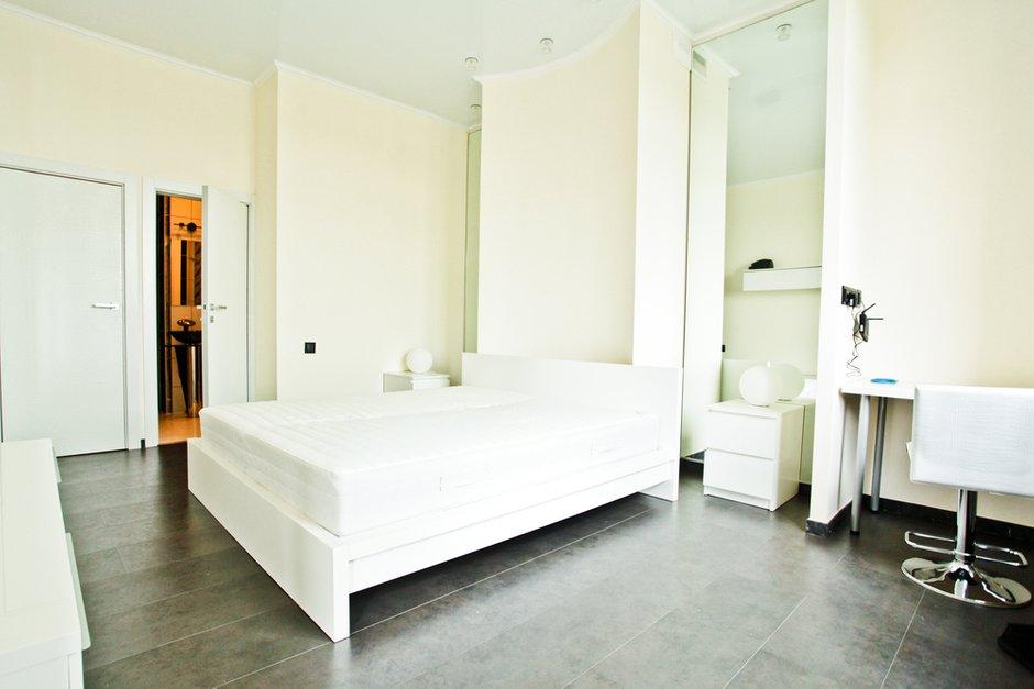 Фотография: Спальня в стиле Современный, Квартира, Цвет в интерьере, Дома и квартиры – фото на INMYROOM