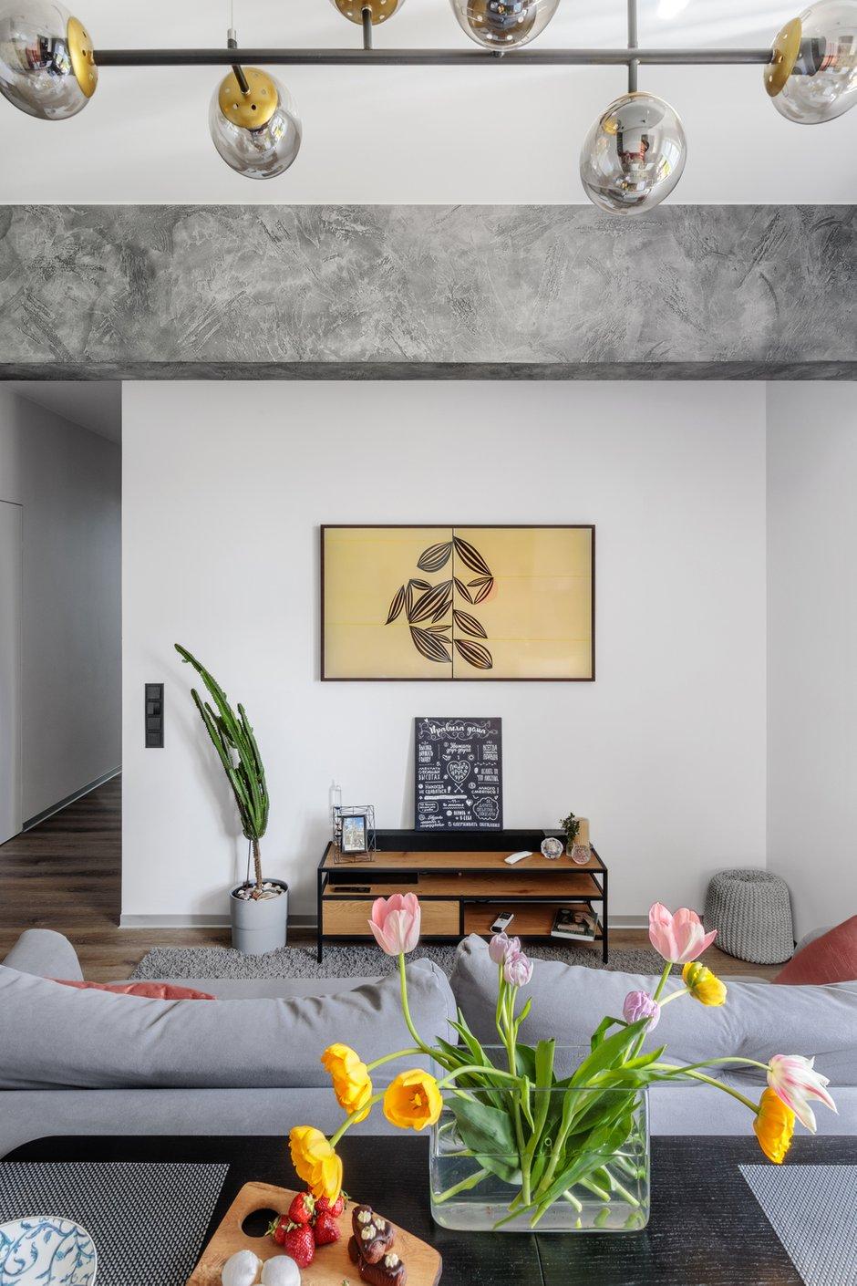 Фотография: Гостиная в стиле Современный, Квартира, Проект недели, Москва, 4 и больше, 60-90 метров, Спецпроект – фото на INMYROOM