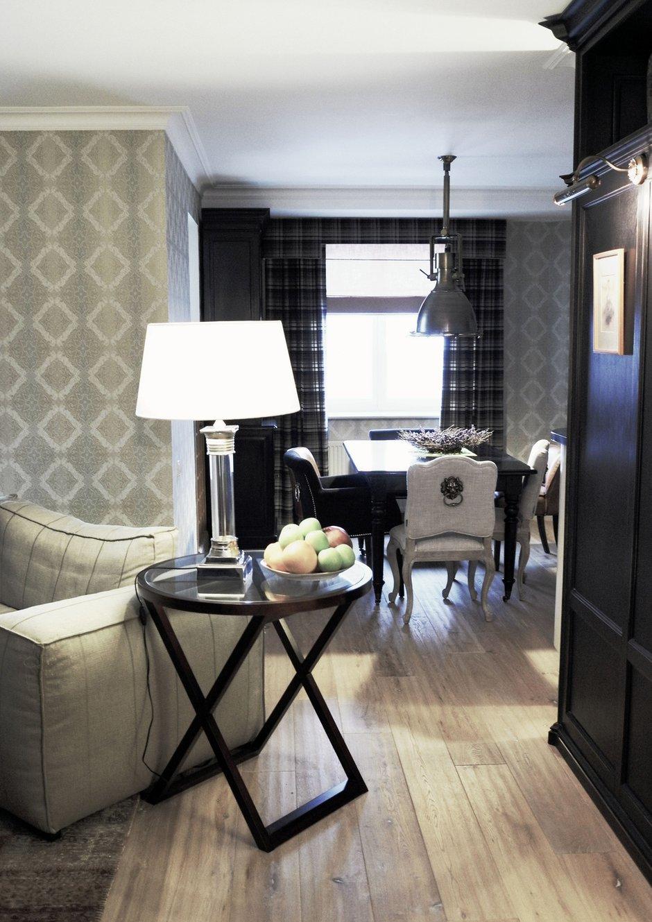 Фотография: Гостиная в стиле , Квартира, Eichholtz, Spiridon, Дома и квартиры, Проект недели – фото на INMYROOM