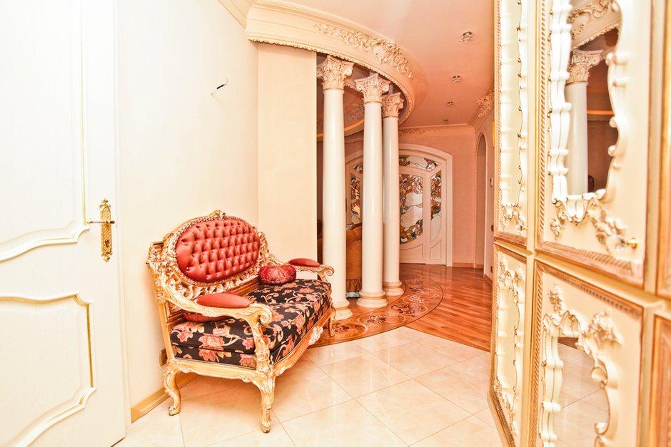 Фотография:  в стиле Классический, Современный, Квартира, Дома и квартиры, Роспись – фото на INMYROOM