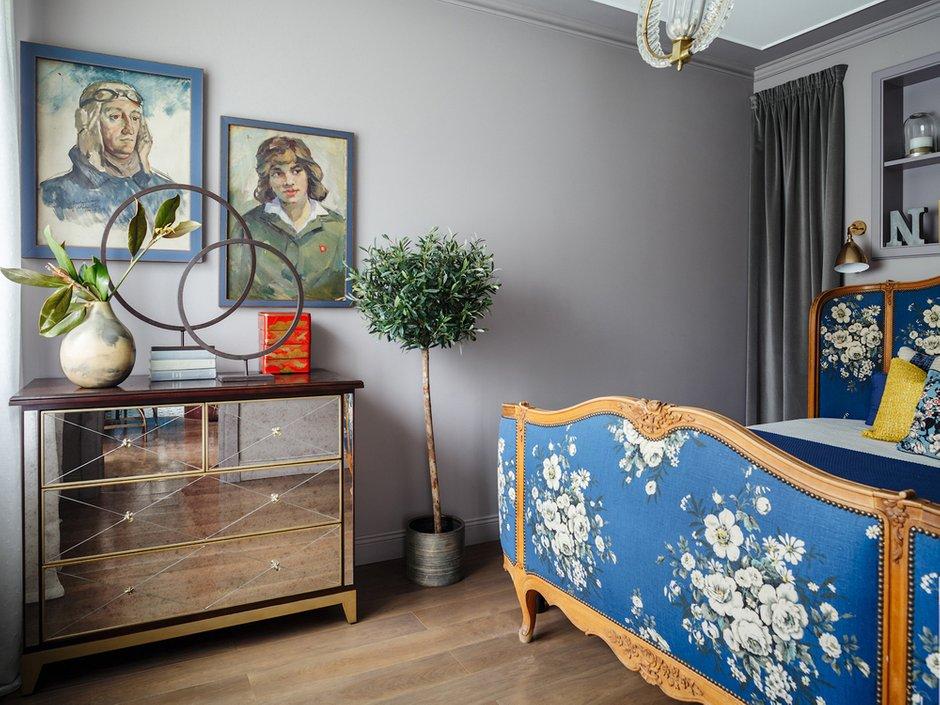 Фотография: Спальня в стиле Эклектика, Квартира, Проект недели, Москва, Надя Зотова, Кирпичный дом, 2 комнаты, 40-60 метров, студия Enjoy Home – фото на INMYROOM
