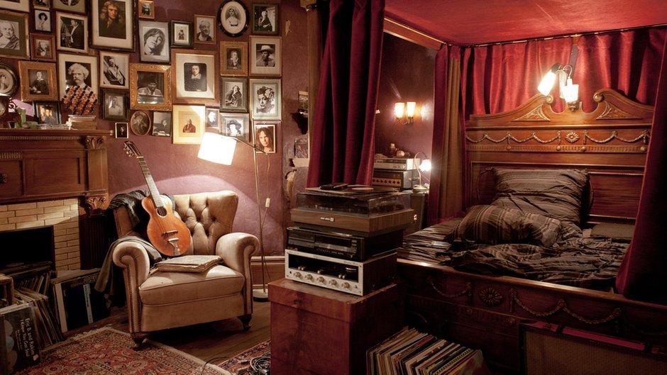 Фотография: Спальня в стиле Эклектика, Современный, Декор интерьера, Советы, Минимализм, Гид – фото на INMYROOM