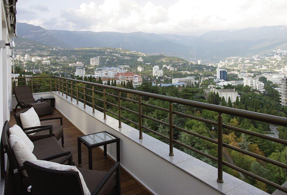 Фотография: Балкон, Терраса в стиле Современный, Восточный, Квартира, Цвет в интерьере, Дома и квартиры, Белый, Минимализм – фото на INMYROOM