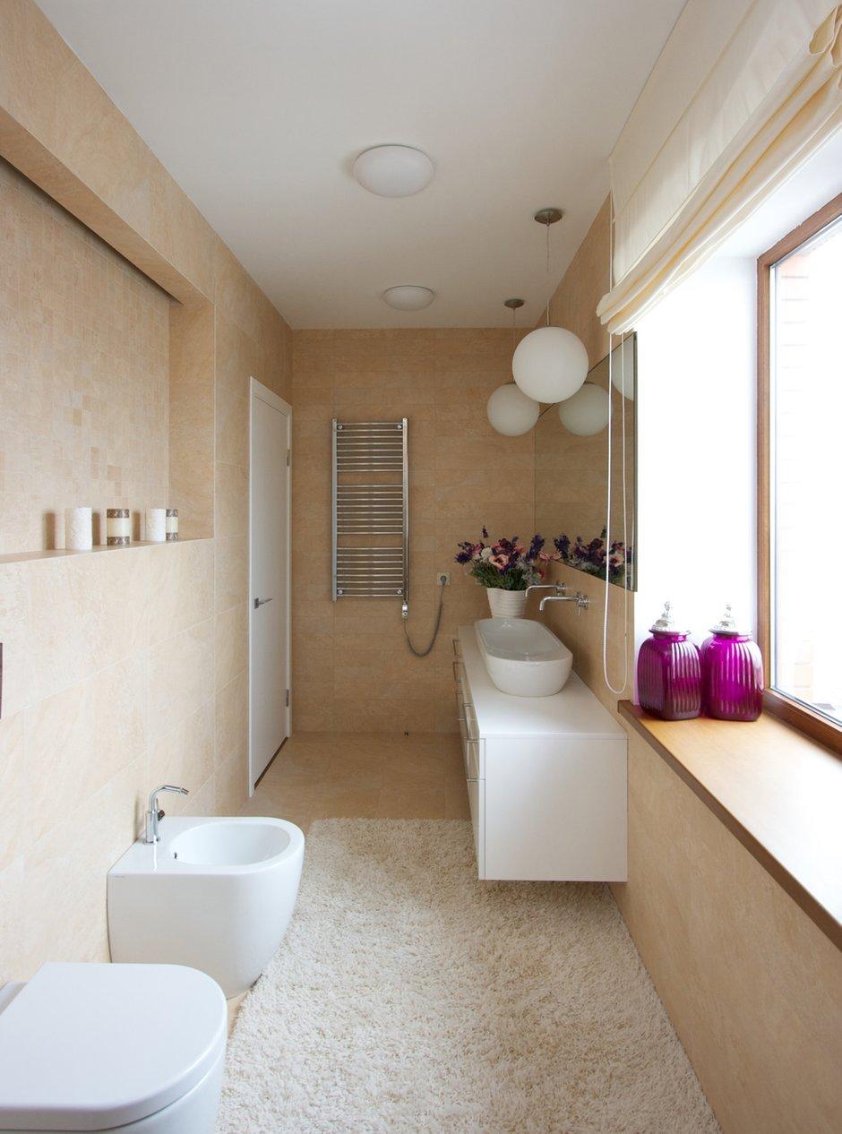 Фотография: Ванная в стиле Современный, Дом, Планировки, Мебель и свет, Дома и квартиры, Мансарда – фото на INMYROOM