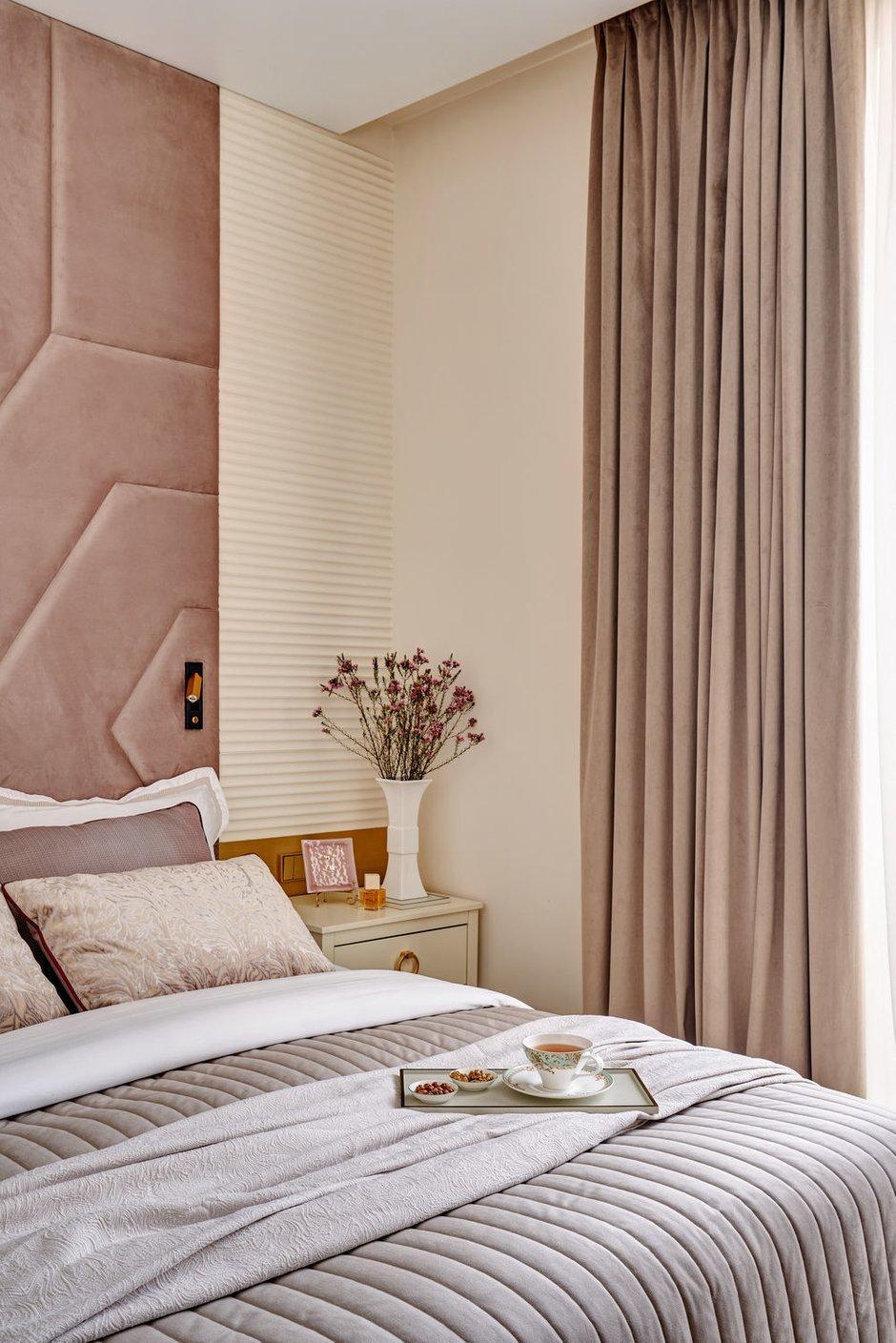 Фотография: Спальня в стиле Классический, Современный, Квартира, Проект недели, Москва, 3 комнаты, 60-90 метров, Алена Чмелева – фото на INMYROOM