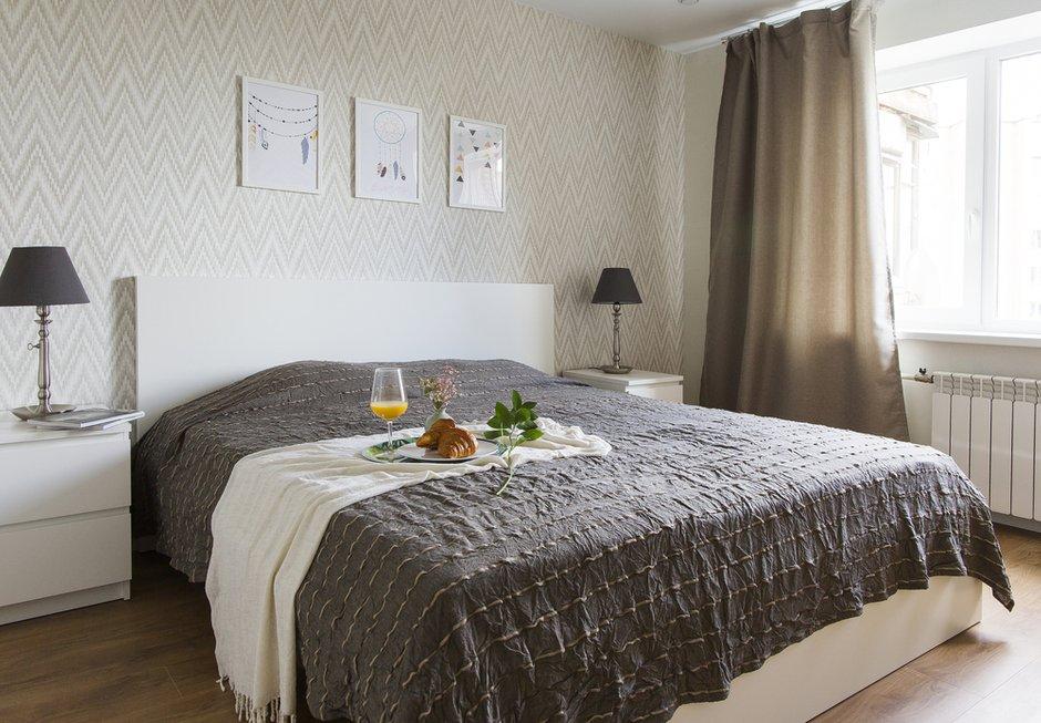 Фотография: Спальня в стиле Современный, Скандинавский, Квартира, Проект недели, Одинцово, Кирпичный дом, 2 комнаты, 60-90 метров, Flatforfox – фото на INMYROOM