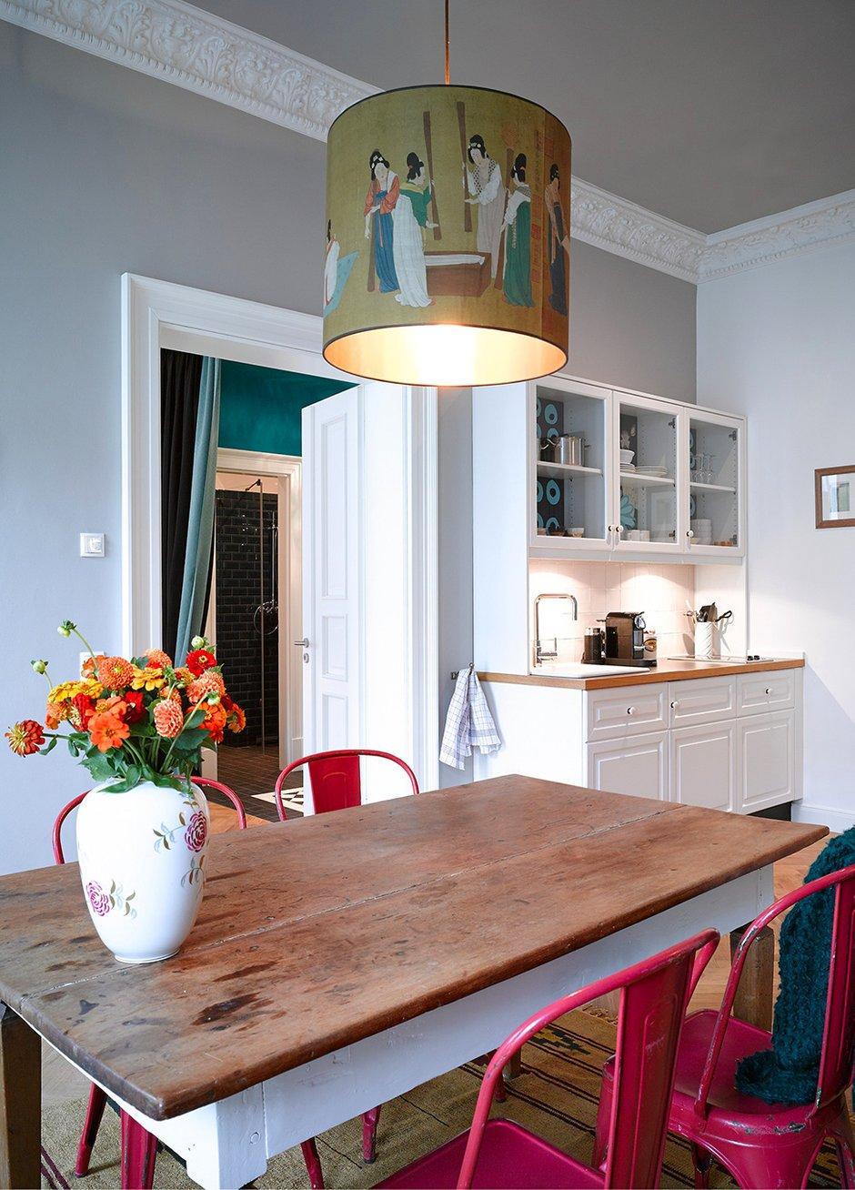 Фотография: Кухня и столовая в стиле Прованс и Кантри, Квартира, Германия, Дома и квартиры – фото на INMYROOM