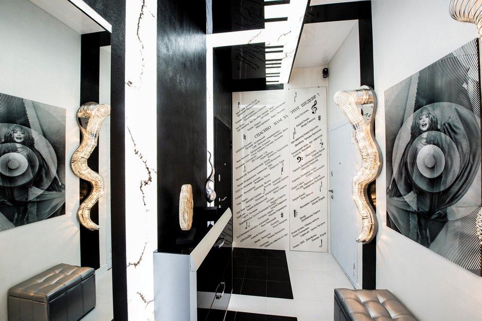 Фотография: Прихожая в стиле Хай-тек, Квартира, Дома и квартиры, Интерьеры звезд, Проект недели, Москва – фото на INMYROOM