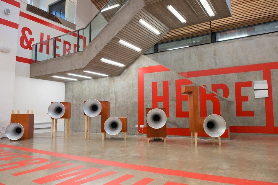 Фотография: Декор в стиле Лофт, Современный, Индустрия, События, Лондон, B&B Italia – фото на INMYROOM