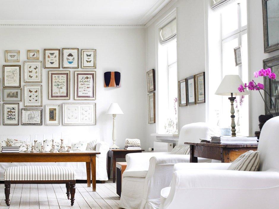 Фотография: Гостиная в стиле Скандинавский, Декор интерьера, Дизайн интерьера, Цвет в интерьере, Белый, Dulux, Краска – фото на INMYROOM