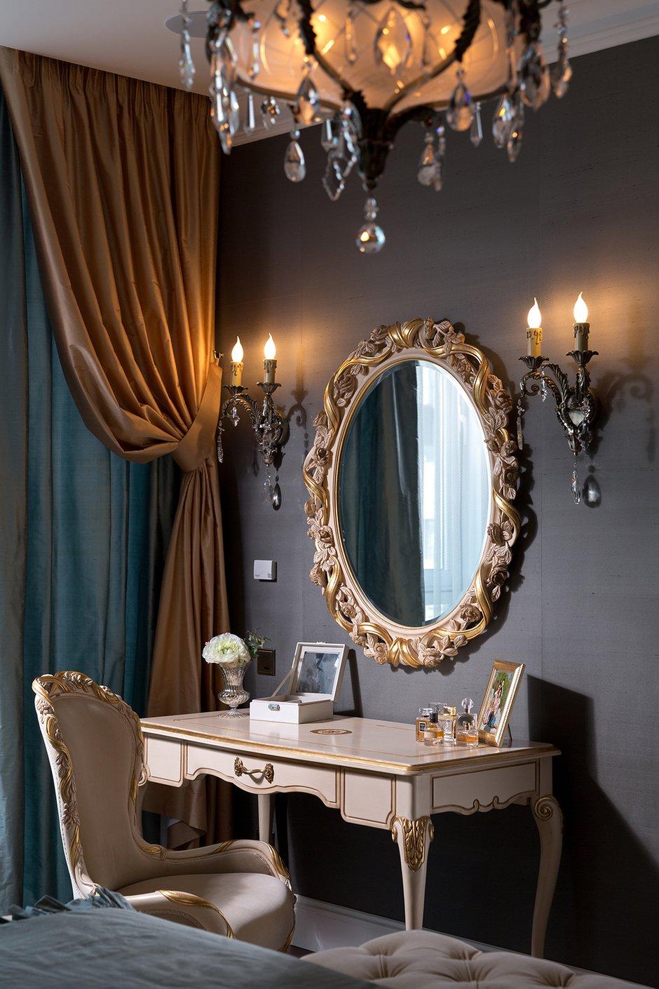 Фотография: Спальня в стиле Классический, Квартира, Дома и квартиры, Пентхаус – фото на INMYROOM