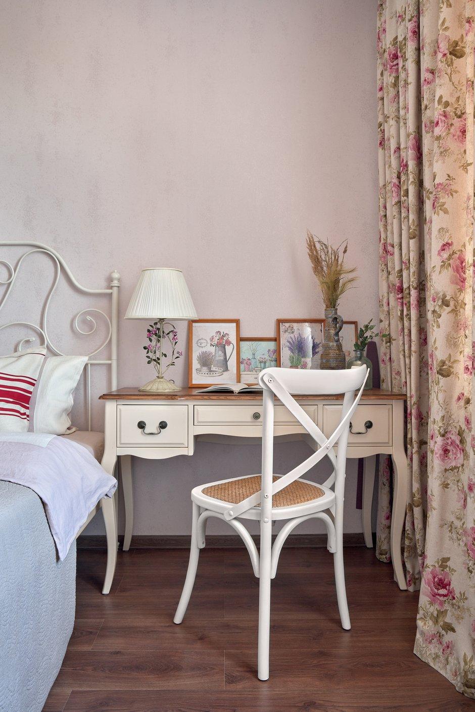 Фотография: Спальня в стиле Прованс и Кантри, Квартира, Проект недели, Красногорск, 3 комнаты, 60-90 метров, Более 90 метров, Евгения Ивлиева – фото на INMYROOM