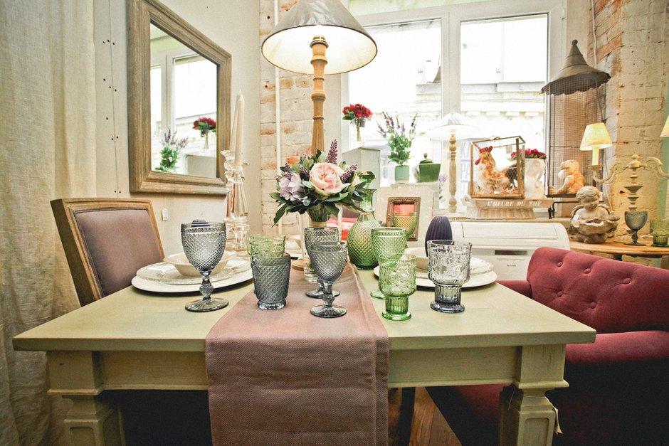Фотография: Кухня и столовая в стиле Прованс и Кантри, Индустрия, Новости, Прованс, Посуда – фото на INMYROOM