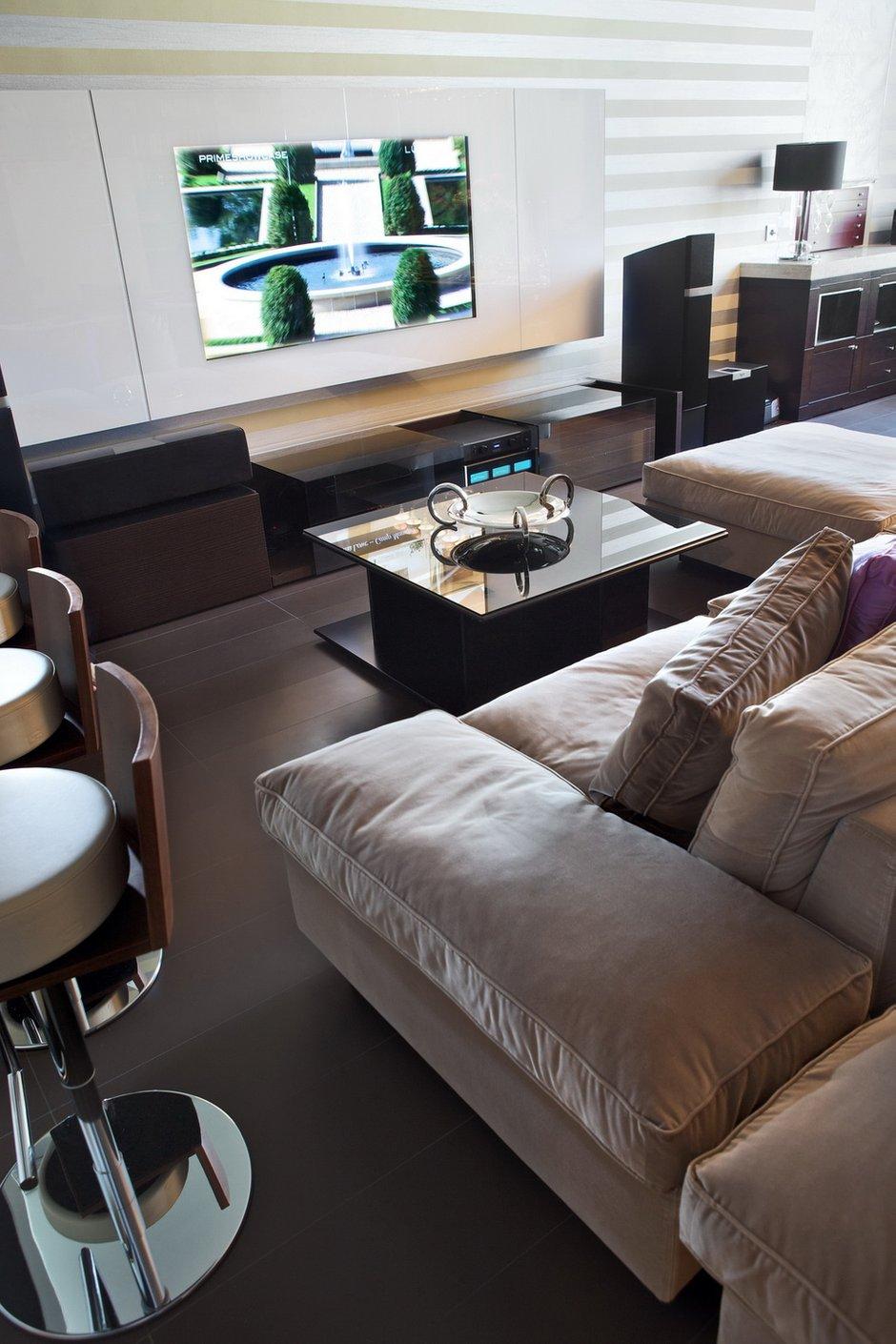 Фотография: Гостиная в стиле Современный, Декор интерьера, Квартира, Miele, Дома и квартиры – фото на INMYROOM