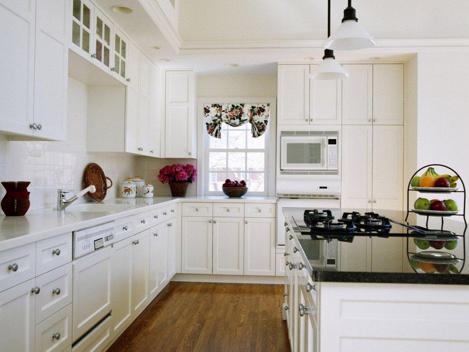 Фотография: Кухня и столовая в стиле Скандинавский, Декор интерьера, Дизайн интерьера, Цвет в интерьере, Белый, Dulux, Краска – фото на INMYROOM